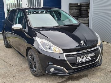 Peugeot 208 Style 1,2 PureTech 82 bei Autohaus Frieszl in